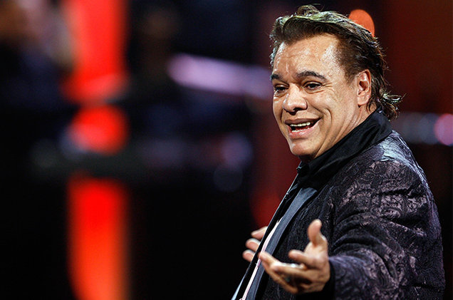 juan-gabriel-performing-2009-billboard-650